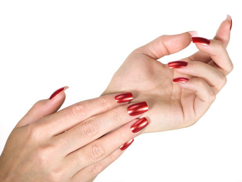 artificial-nails-with-bright-nail-polish_zoom